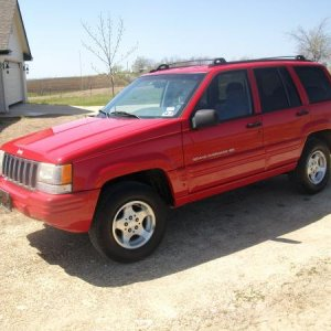 My new toy  got this Sunday (Mar 28th)  1998 Grand Cherokee Larado with just under 27,000 miles it looks and drives just like a new jeep....