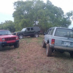 Moore825's xj. My Xj and a buddys XJ