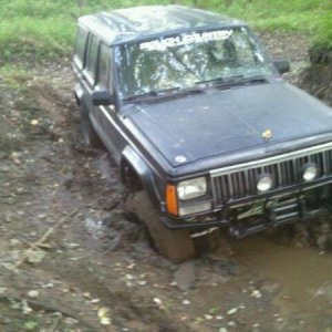 The mud was a bit deeper than we figured and i got my lights mounted up front